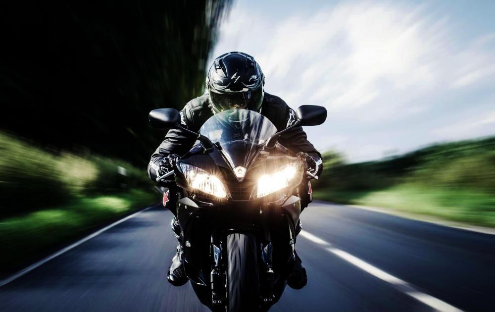 motorcyclist-motor-way-bike.thumb.jpg.44