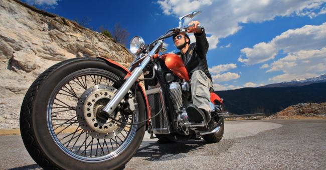 motorcycle_motorbike_chopper_driving.jpg